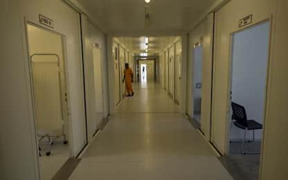 Roma, ruba il telefono a un altro paziente in ospedale: denunciato
