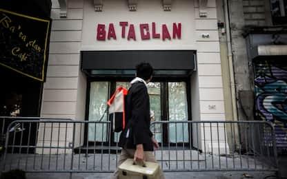 """Francia, il Bataclan a due anni dal terrore: """"Non abbiamo più paura"""""""