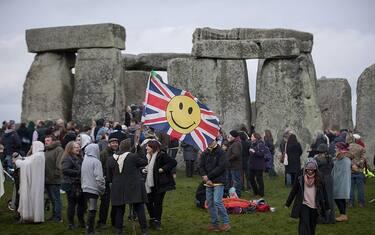 Getty_Images_Stonehenge_solstizio_10