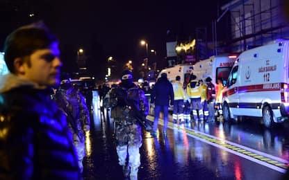 """Attentato Istanbul, la testimone: """"Sparavano in due o tre"""". VIDEO"""