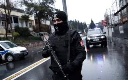 Turchia, la polizia arresta altri 20 presunti terroristi a Istanbul