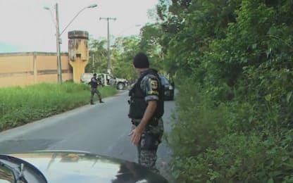 Brasile, sommossa in carcere provoca 60 morti: 6 decapitati