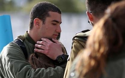 "Gerusalemme, camion contro soldati: 4 morti. ""Killer vicino a Isis"""