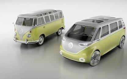 """Volkswagen presenta a Detroit il nuovo pulmino """"hippie"""" elettrico"""