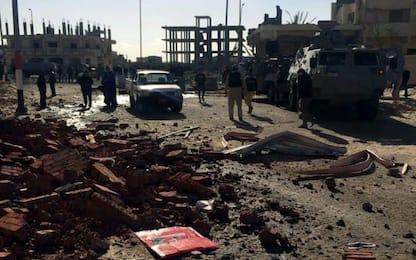 Egitto, camion bomba contro checkpoint: 10 morti