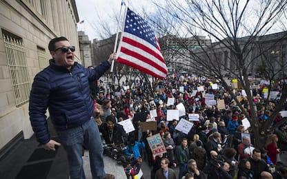 Trump e lo stop ai rifugiati: la protesta arriva alla Casa Bianca