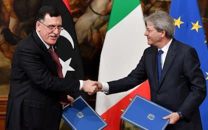 Migranti, accordo tra Italia e Libia. Ue: ora chiudere rotta libica