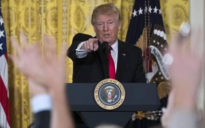 Usa, Trump cancella norme sull'uso dei bagni per studenti transgender