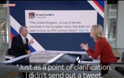 Gb, politico nega di aver scritto tweet ma è in onda alle sue spalle