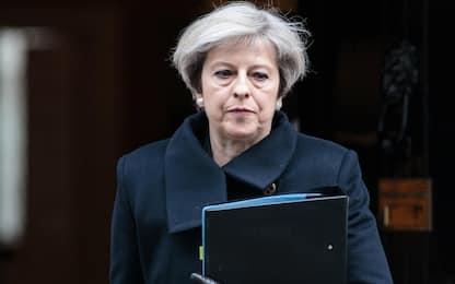 """Londra, May: """"Attentatore era britannico e noto all'intelligence"""""""