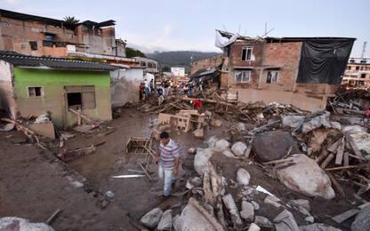 Colombia, città sepolta da valanga di fango: oltre 200 morti