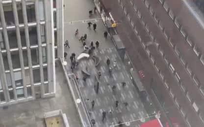 Stoccolma, la fuga della folla dopo l'attentato: video