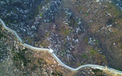 Cina, l'immensità della Grande muraglia vista da un drone. LE FOTO
