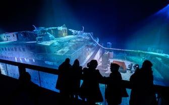 Una ricostruzione del relitto del Titanic durante una mostra a Lipsia