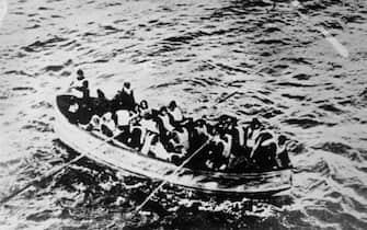 Salvataggio con una scialuppa dopo il naufragio del Titanic