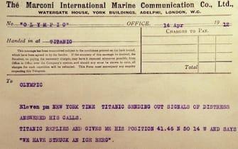 Documento che riporta lo scontro del Titanic con l'iceberg