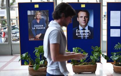 Elezioni Francia, furto di mail: Macron denuncia un attacco hacker