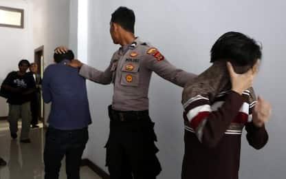 Indonesia, due uomini condannati a 85 frustate perché omosessuali
