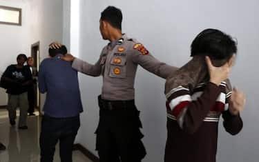 indonesia_condannati_omosessualita_