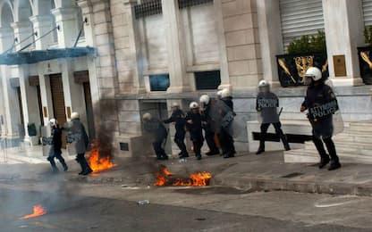 Atene, scontri in piazza