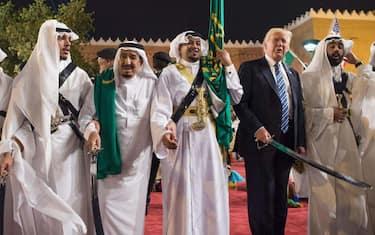 01-trump-arabia-saudita-spade-ansa