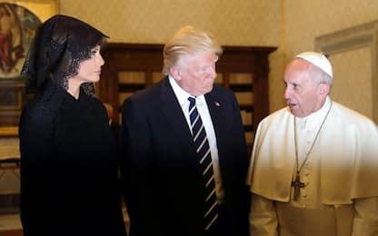 """Bergoglio riceve Trump in Vaticano: """"Sia strumento di pace"""""""