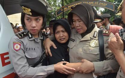 Indonesia, attentato a Giacarta: sale a 3 bilancio delle vittime