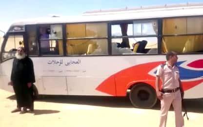 Egitto, attacco a bus di cristiani copti: decine di morti, anche bimbi