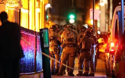 Attentato Londra, città sotto attacco: 7 morti, 48 feriti. DIRETTA