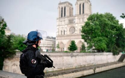 Parigi, attacco a Notre Dame