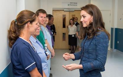 Kate Middleton visita i feriti dell'attentato di Londra. FOTO