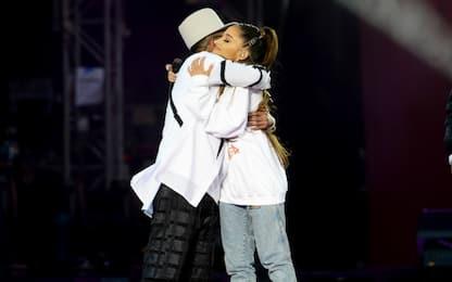 Manchester verso la cittadinanza onoraria ad Ariana Grande