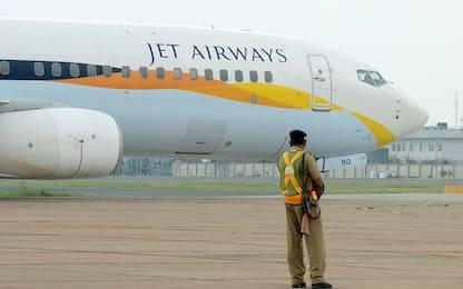 Bimbo nasce sull'aereo: volerà gratis per sempre con Jet Airways