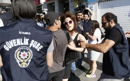 Turchia, scontri e tensioni al Gay Pride: arresti a Istanbul
