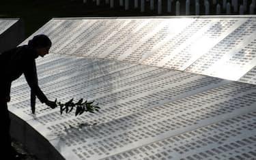 GettyImages_Memoriale_Srebrenica