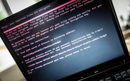 Cyber-attacco, Ucraina accusa Russia. Londra pensa a risposte militari
