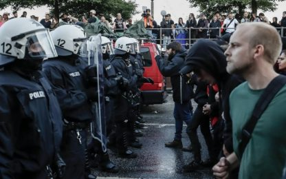 G20 ad Amburgo scontri al corteo