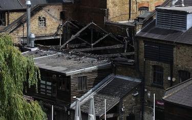 1GettyImages_Londra_incendio_Camden_Market