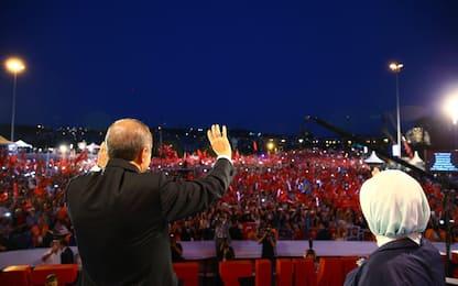 Istanbul commemora golpe sventato