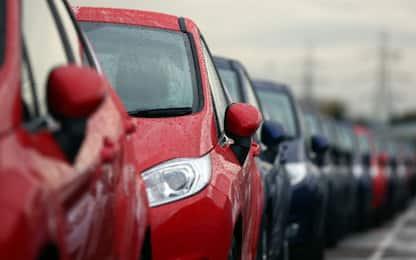 Il Regno Unito vuole vietare le auto a benzina e diesel dal 2040