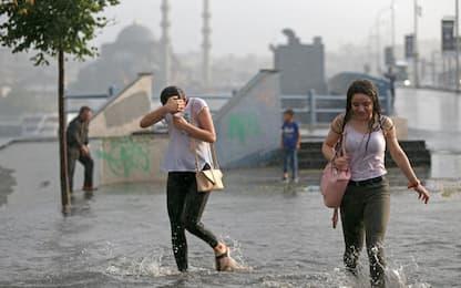 Nubifragio su Istanbul, 2 feriti