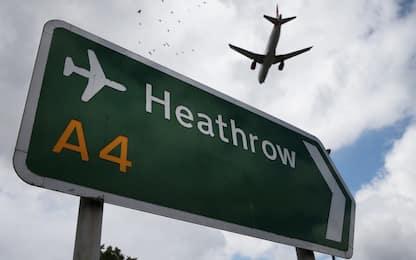 Gran Bretagna, aumentano i passeggeri ubriachi arrestati in aeroporto