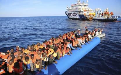 Migranti, bozza Ue: ridurre arrivi e movimenti. Italia irritata