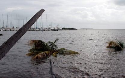 Irma arriva sulle Keys, un morto in Florida. Maxi black-out a Cuba