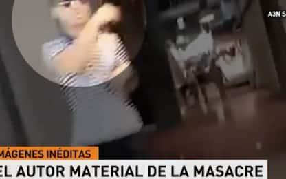 Attentato Barcellona, le immagini del terrorista dopo la strage. VIDEO