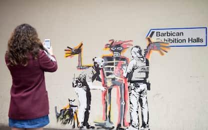 Londra, Banksy dedica due nuovi murales all'opera di Basquiat
