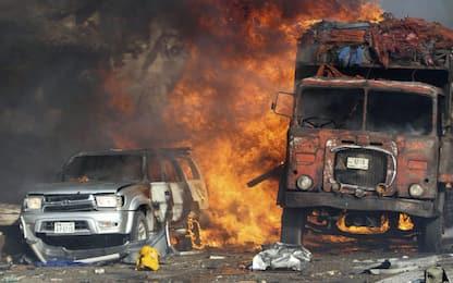 Camion-bomba a Mogadiscio, almeno 30 morti in due esplosioni