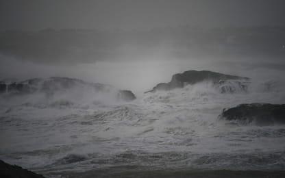 Uragano Ophelia dopo l'Irlanda ora spaventa Scozia e Galles