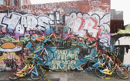"""Australia, murales con bici """"condivise"""""""