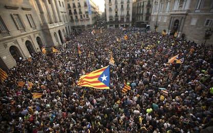 """Catalogna, Puigdemont: """"Opposizione democratica ad aggressione Madrid"""""""